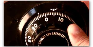 Mua két sắt có khóa mã điện tử để bảo mật tốt hơn