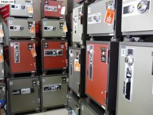 Với rất nhiều mẫu mã và kiểu dáng khác nhau bạn sẽ chọn mua chiếc két sắt nào?