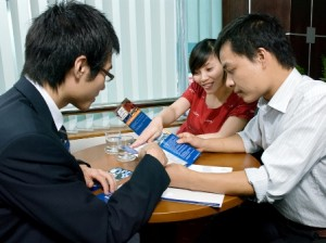 Tiếp xúc lấy thông tin khách hàng