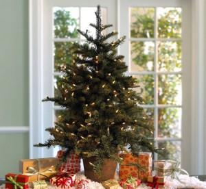 Trang trí lại cho phòng khách đón ngày Giáng sinh