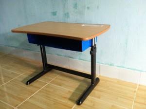 Tự lắp bàn học cho bé thật dễ dàng